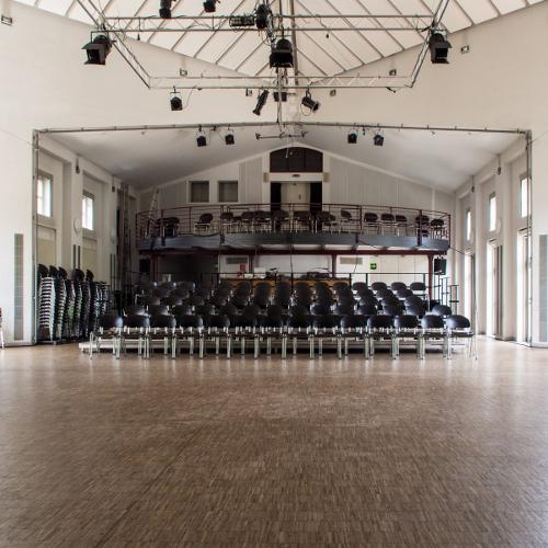 Bühne, Neubau
